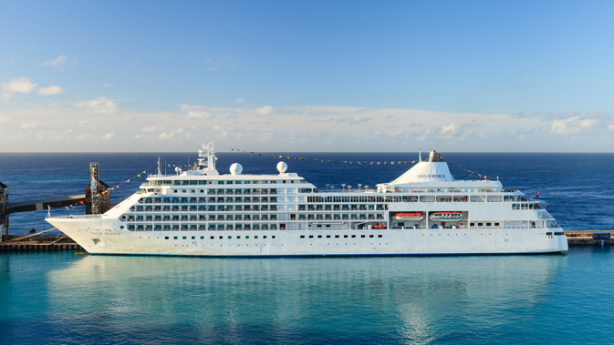 Sunwing Offers Free Upgrade To Allinclusive Package Onboard - The thomson dream cruise ship