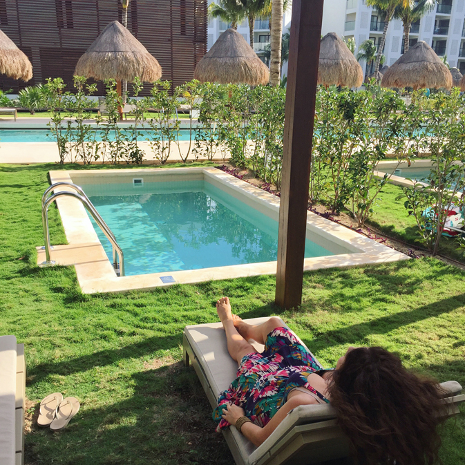 Escape to the indulgent world of finest playa mujeres for Garden plunge pool