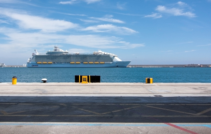 Royal Caribbean Takes Stand Against Faux Travel Agents