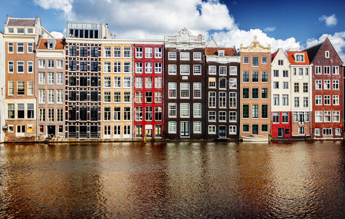 Airbnb agrees to limit private rentals in london for Airbnb amsterdam