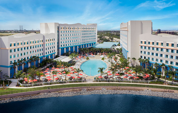 Opening-day-new-pics-of-Universals-Endless-Summer-Resort-Surfside-Inn-and-Suites_inside2