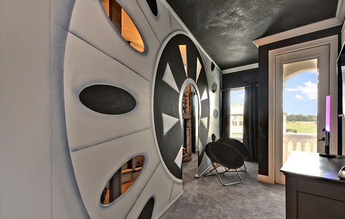 These-are-the-most-outrageous-Star-Wars-themed-rooms-in-Kissimmee-for-die-hard-fans-inside3