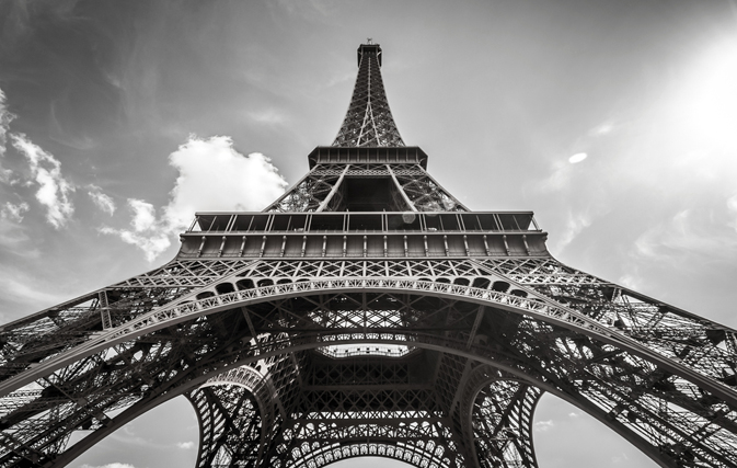 No Eiffel, Mona Lisa or Versailles: Iconic sites stay closed