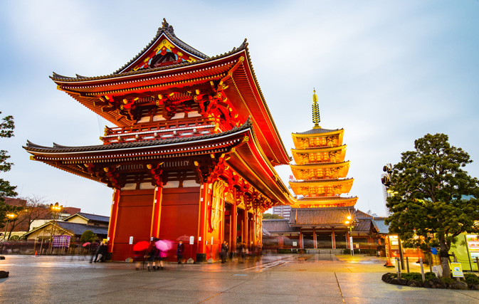 Canadians travelling to Japan in record numbers