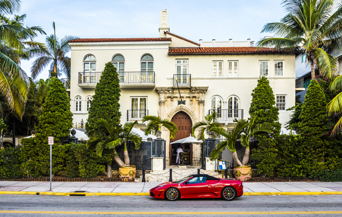 Versace 39 s former miami beach mansion transforms from for Versace mansion miami tour