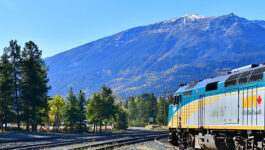VIA Rail extends suspension of the Canadian route
