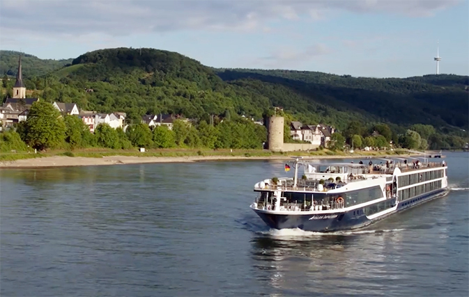 Groups can save $1,500 per person with Avalon Waterways