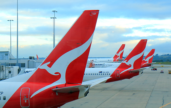 Qantas posts $1.7 billion loss, predicts Australia will reopen to int'l travel by Christmas