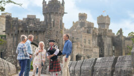 Insight_DSL_Ashford-Castle-with-a-bagpiper-Ireland