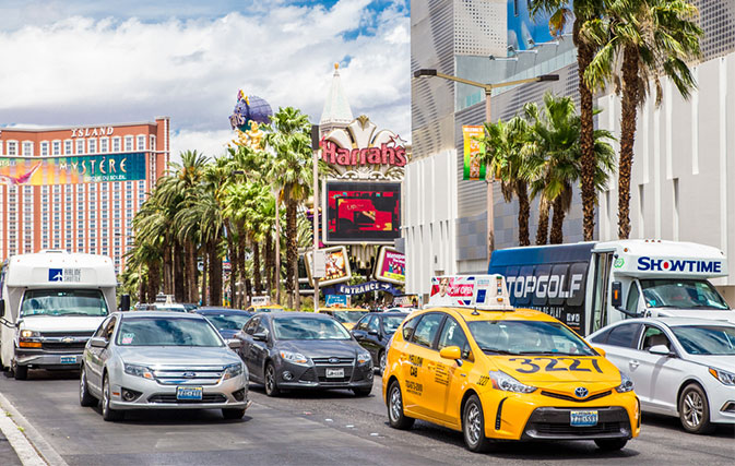 Taxis-to-try-flat-fares-from-airport-to-Las-Vegas-Strip
