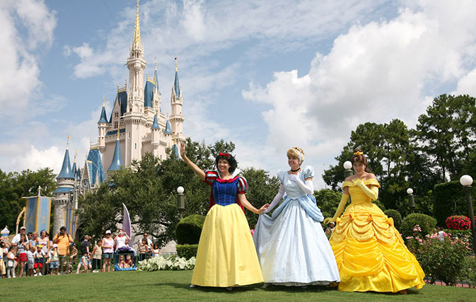 No firm date now for Disneyland reopening; AEA calls for WDW delay