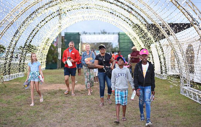 Hundreds-of-happy-hearts-attend-Santas-Wonderland-in-The-Bahamas-4