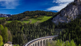 Clients-travel-by-cruise-land-and-rail-on-Uniworlds-new-Europe-tours
