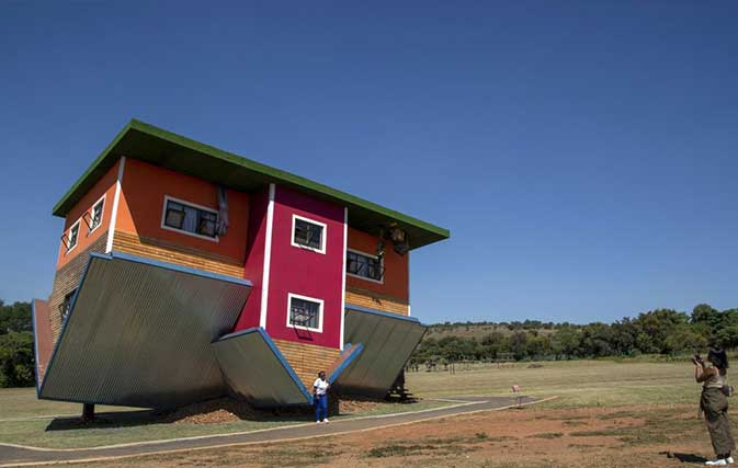 This-upside-down-house-in-South-Africa-is-all-kinds-of-topsy-turvy-fun-2