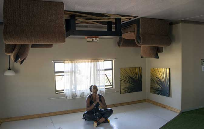 This-upside-down-house-in-South-Africa-is-all-kinds-of-topsy-turvy-fun-3