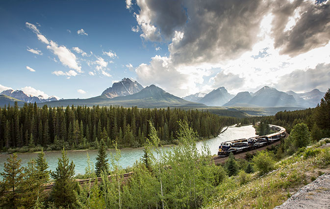 Rocky Mountaineer rewarding agents with complimentary rail package