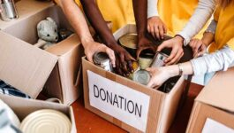 TravelBrands makes donation to Food Banks Canada