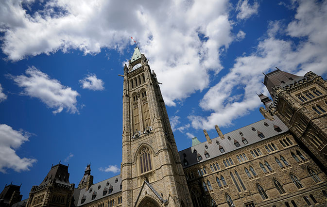 Feds could cut COVID-19 benefit for holiday travellers