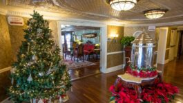 American Queen Steamboat Company celebrates Christmas early with up to $1,000 in savings