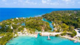 Become a Jamaica Travel Specialist to get exclusive booking rewards and VIP perks